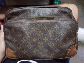 Louis Vuitton Nil Messenger