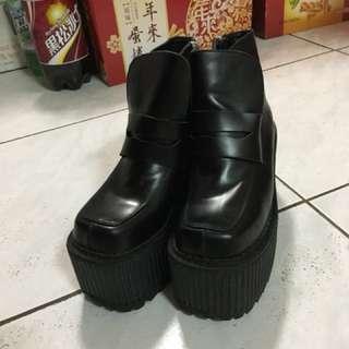🚚 Unif 靴