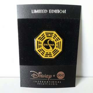COLLECTABLE DISNEY Badges/ Pins