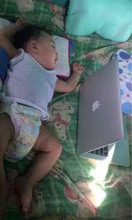 Mac Book Laptop