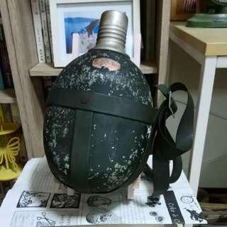 🚚 早期背帶型軍用鋁水壺