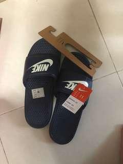 BNWT Nike Benassi Slides