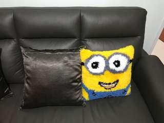 Cushions minion
