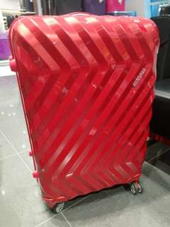 American Tourister Zavis Spinner 77/28 (Autumn Red)