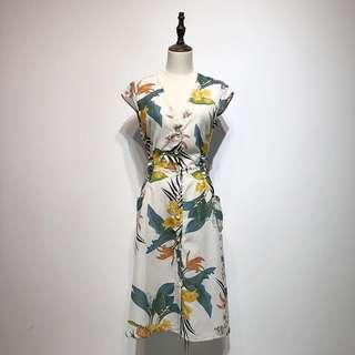 🔥Inspired Zara V Neck Floral Lace Waist Dress