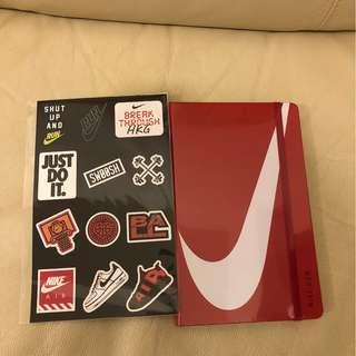 Nike訂制版Moleskine筆記簿(附貼紙)