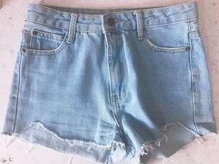 淺藍短褲 牛仔褲