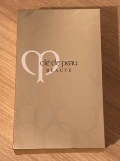 Cle de peau skin care travel / trial set