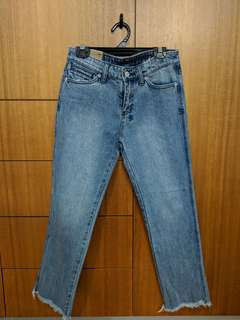 BRAND NEW KSUBI JEANS straight leg, crop (Loose fit)