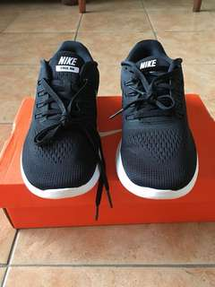 Nike Free Run - rubber shoes ( Authentic)