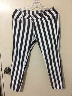 Stripes 3/4 Pants