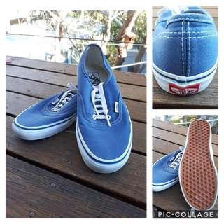 Vans (Original Navy) - AS NEW!
