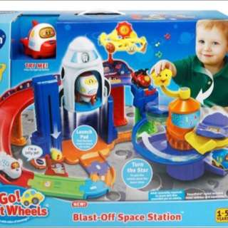 Vtech toot toot blast off space station