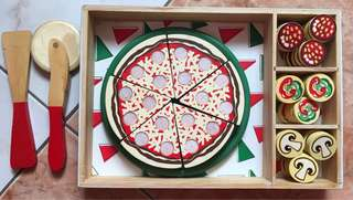 675php (10% OFF+FREE Delivery!!!) Melissa and Doug Wooden Pizza Party Toy