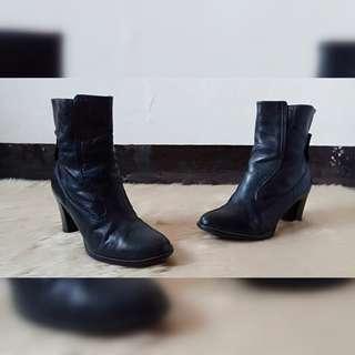 Hush Puppies Black Mid- Calf Boots