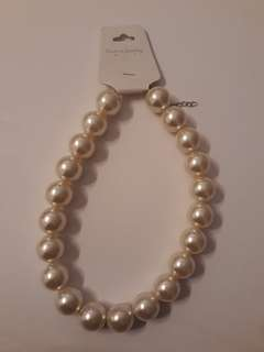 Price INCLUDE postage - Pearl Necklace
