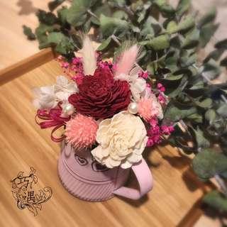 🚚 花罐乾燥桌花-紅白款