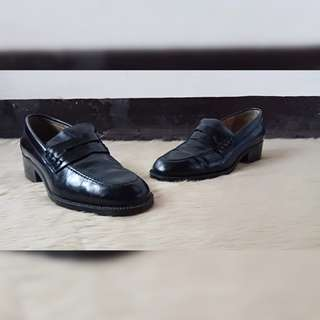 Black Scaled- like Loafers