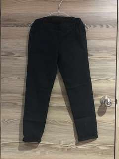 UNIQLO black pants 3/4