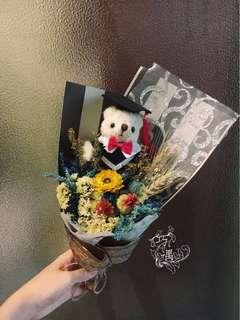 🚚 乾燥花束-藍色畢業熊款
