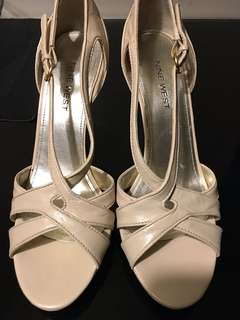 Authentic Nine West Nude Strappy Shoes size 7.5