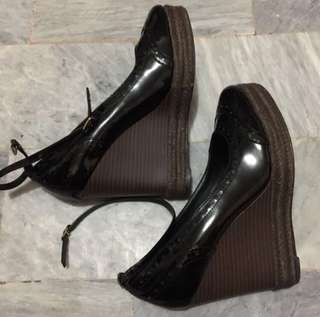 Auth Charles and Keith Black Platform Wedge Shoes