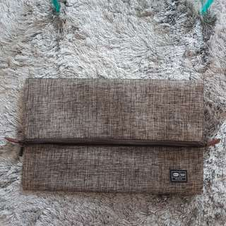 Envelope clutch style laptop sleeve
