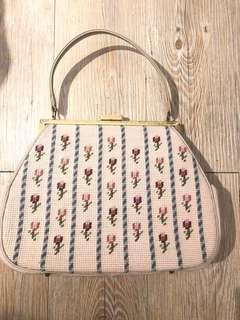 La Blanche vintage 1960s 十字繡花米色古董 復古手袋