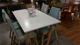 Dining set | Table and 4 chairs