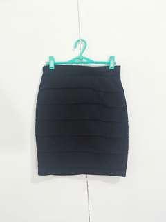 Body con skirt / pencil cut skirt