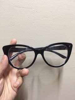 Cat eye (replaceable lens)