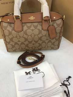 Original coach women signature Bennett left go bag handbag
