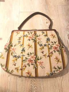 La Blanche vintage 60s 十字繡花加大古董 復古手袋