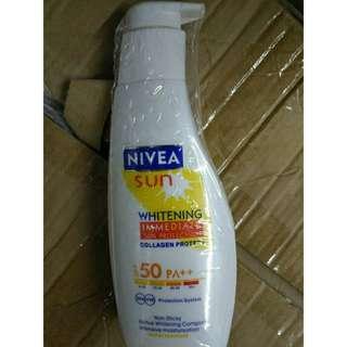 N*ivea Sun Whitening SPF50