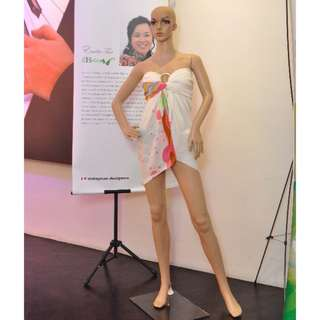 Female Mannequin (used once)