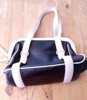 Cutie black and white bag