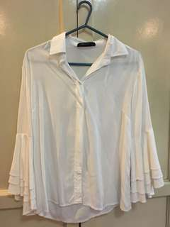 SM Woman Bell Sleeved Blouse