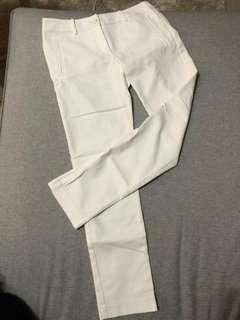 🚚 iROO白長褲38號。M號。直筒白褲。