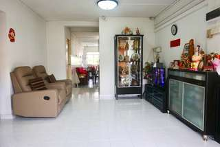High Floor Unblocked Corner 4 Room Flat For Sale.