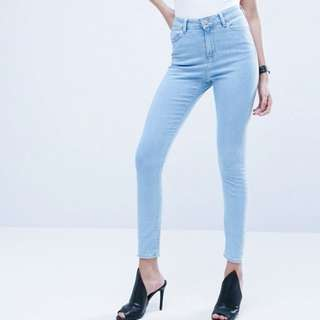 Factorie High Waisted light washed jeans
