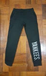 Unused black jogger pants for sale!! (MLB)