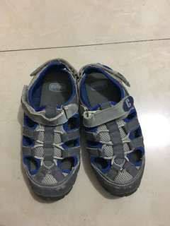 Chicco Kid shoes (size32)