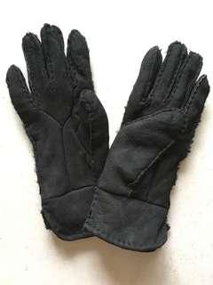 Black Ladies Lambskin Gloves