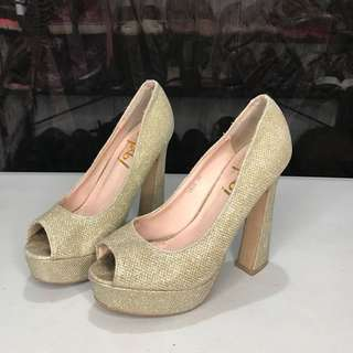 Gold Heels (Size US 5)