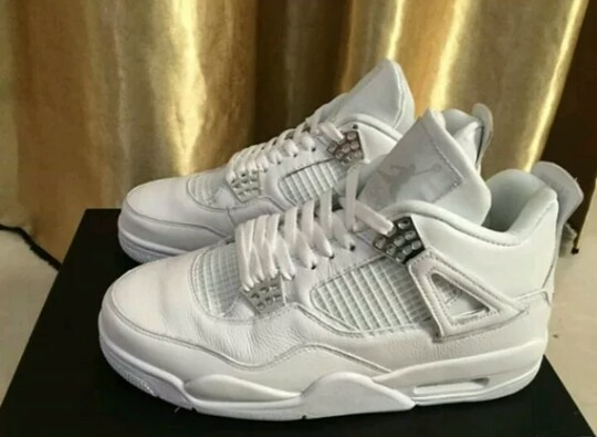 7da326372bdb Air Jordan 4 Pure Money