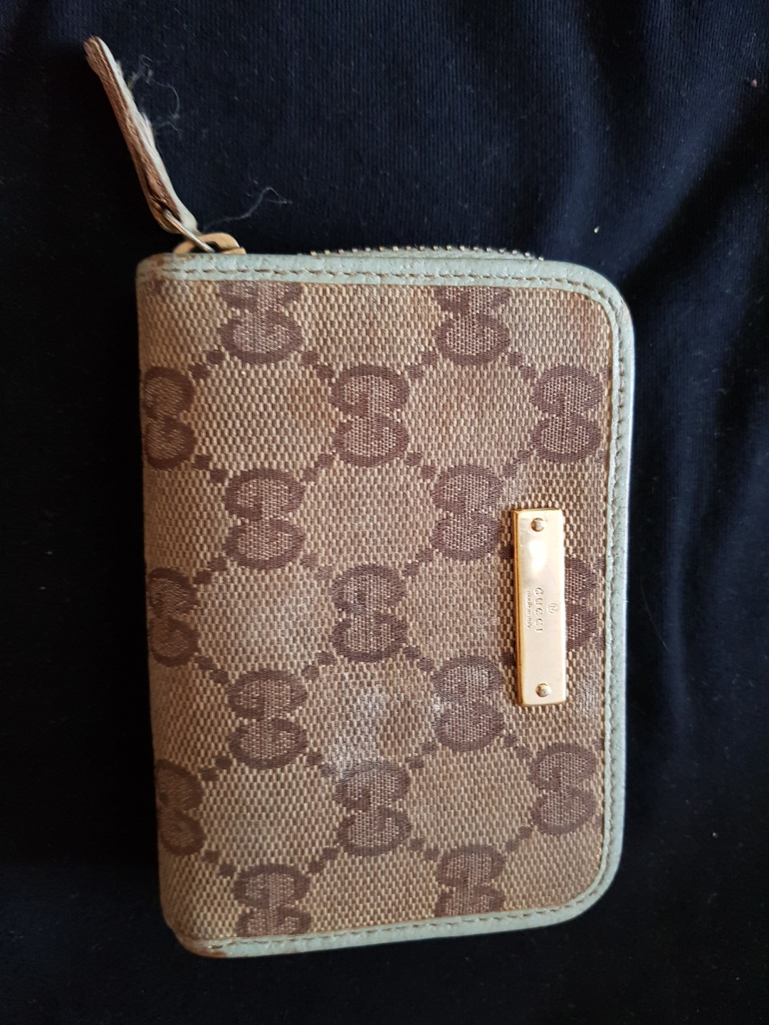 815e9264 Authentic Gucci coin & credit cards pouch, Luxury, Bags & Wallets ...