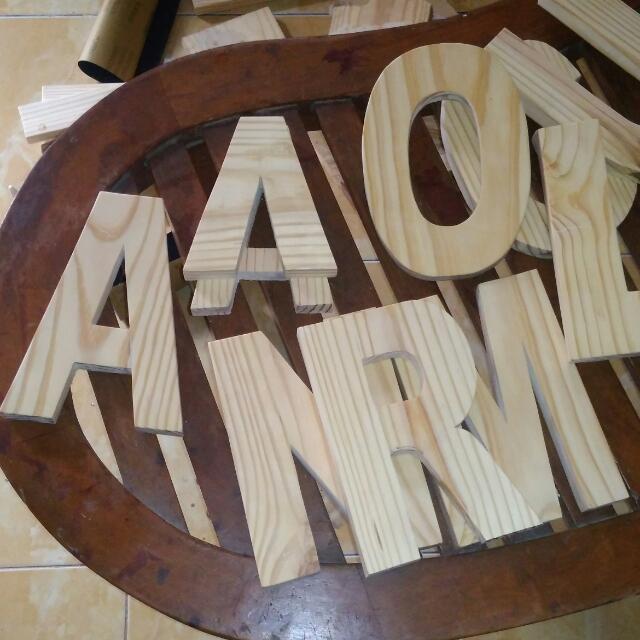 Huruf kayu di bintaro casuals