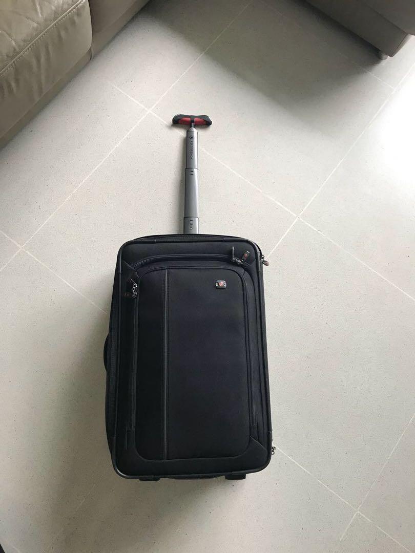 6a12777ef Victorinox Luggage Werks Traveler 4.0 , Travel, Travel Essentials ...