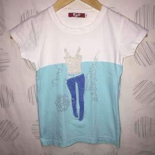 WHITE AND BLUE TEE 6 TO 7 YEARS OLD