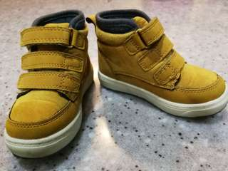 Ankle boots for boy ( Osh Kosh original from US)
